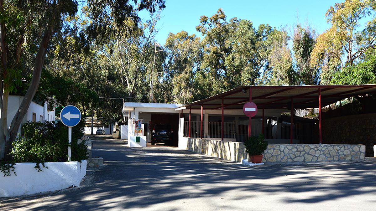 instalaciones-camping-mojacar-acceso-bar